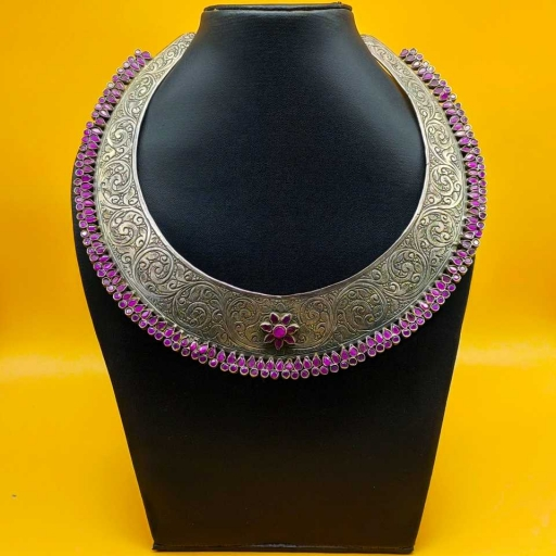 Textured 925 Sterling Silver Handmade Tribal Traditional Hasli With Pink Colored Stones