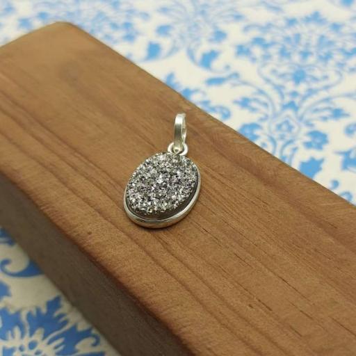 Rough Silver Shine Druzy Gemstone Designer 925 Sterling Silver Party Wear Pendant