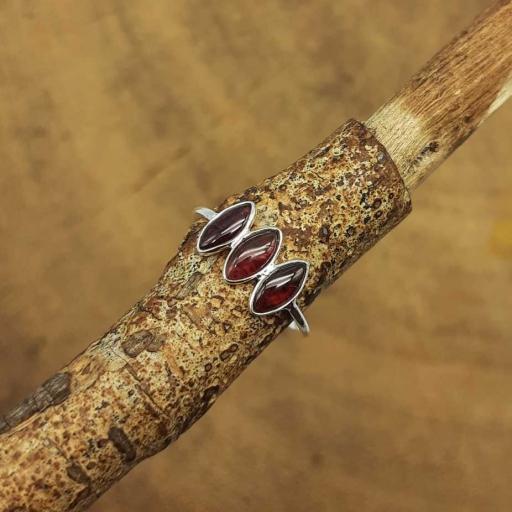 Cabochon Natural Garnet Gemstone 925 Sterling Silver Thin Band Fine Girl's Ring