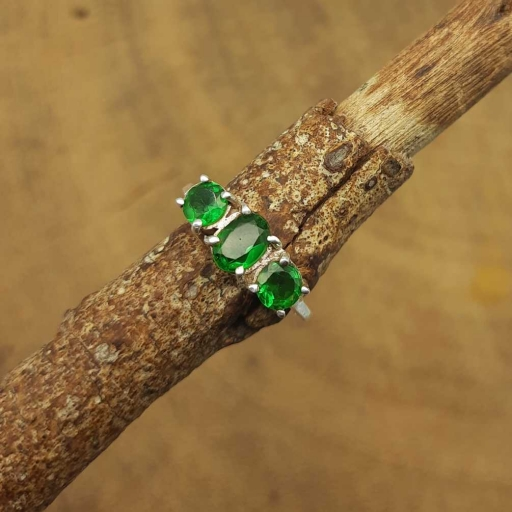 Emerald Gemstone Oval & Round Shape 925 Sterling Silver Handmade Claw Ring
