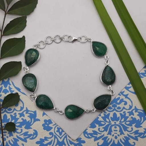 Teardrop Shape Dyed Emerald Gemstone 925 Sterling Silver Wedding Bracelet