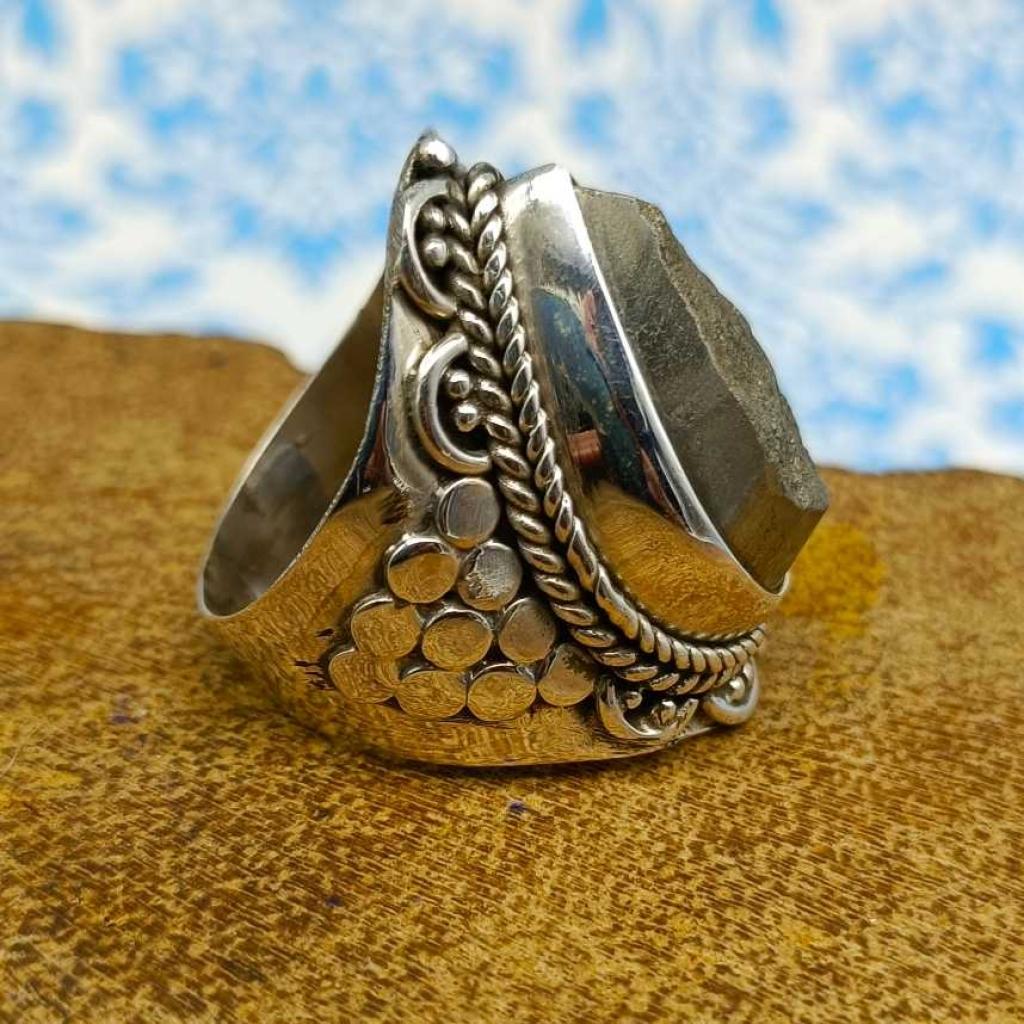 Drop Shape Pyrite Gemstone 925 Sterling Silver Bohemian Band Ring