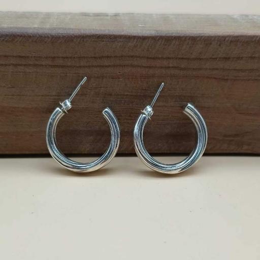 925 Sterling Silver Twisted Wire Design Stud Hoop Earring