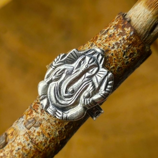 925 Sterling Vintage Oxidized Silver  Lord Ganesh Face Silver Band Ring