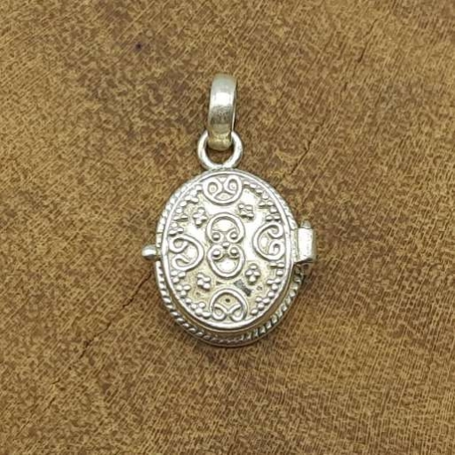 925 Sterling Silver Designer Oval Shape Daily Wear Pendant For Mother's Day Gift