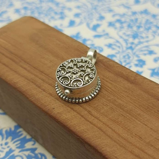 Round Shape 925 Sterling Silver Handcrafted Artisan Jewelry Pendant