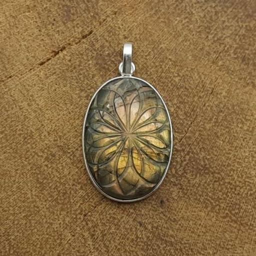 Carving Labradorite Gemstone 925 Sterling Silver Flower Designer Pendant