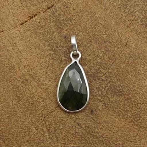 Teardrop Shape Faceted Green Tourmaline Gemstone 925 Sterling Silver Pendant