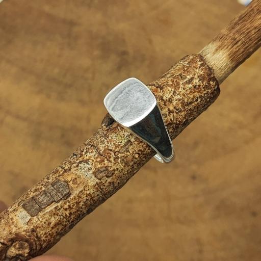 925 Sterling Silver Handmade Fine Polish Round Edge Square Shape Signet Ring